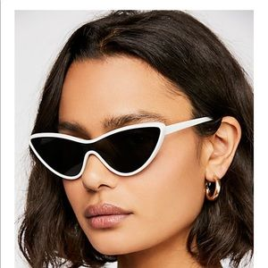 FREE PEOPLE 21st Century girl  sunglasses